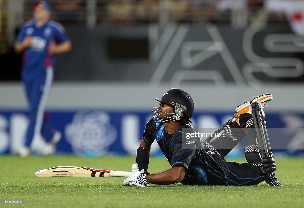 New Zealand's Ronnie Hira slides in for a run during the International Twenty20 cricket match between New Zealand and England played at Eden Park in Auckland on Febuary 9, 2013. AFP PHOTO / Michael BRADLEY