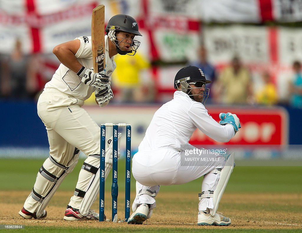 New Zealand's Ross taylor (L) bats with England's keeper Matt Prior during day four of the international cricket Test match between New Zealand and England played at the Basin Reserve in Wellington on March 17, 2013. AFP PHOTO / Marty MELVILLE