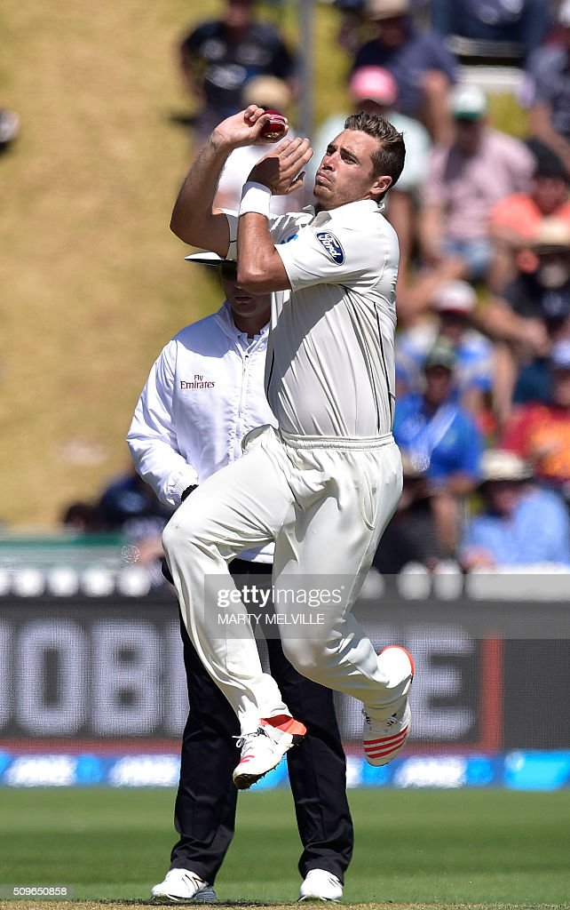 New Zealand's Tim Southee bowls during the first cricket Test match between New Zealand and Australia at the Basin Reserve in Wellington on February 12, 2016. AFP PHOTO / MARTY MELVILLE / AFP / Marty Melville