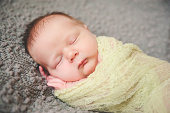 Newborn_green_gray_
