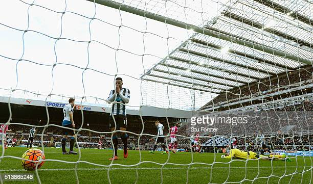 Newcastle defender Jamaal Lascelles reacts as goalkeeper Rob Elliott is beaten by the first Bournemouth goal during the Barclays Premier League match...