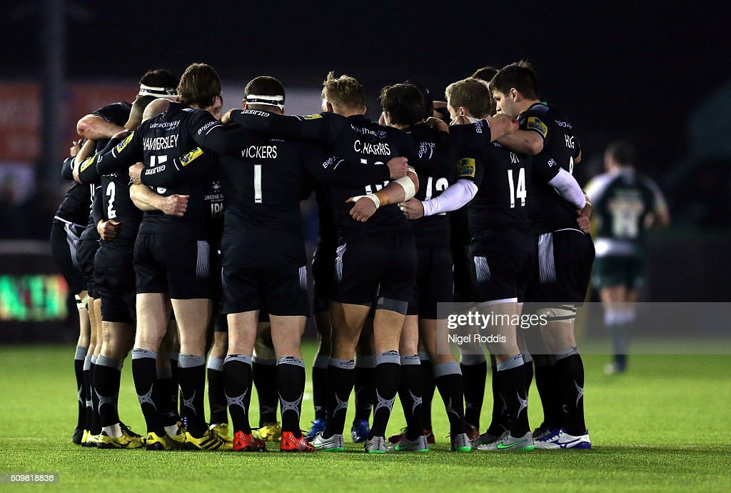 Newcastle Falcons huddle ahead of the second half during the Aviva Premiership match between Newcastle Falcons and Leicester Tigers at
