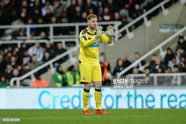 Newcastle Goalkeeper Rob Elliot hold two hands up during the Barclays Premier League match between Newcastle United and Liverpool at StJames' Park on...