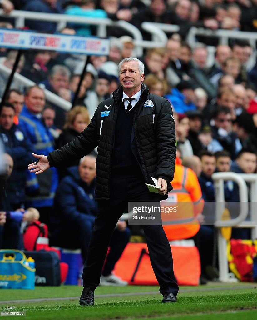 Newcastle manager <a gi-track='captionPersonalityLinkClicked' href=/galleries/search?phrase=Alan+Pardew&family=editorial&specificpeople=171147 ng-click='$event.stopPropagation()'>Alan Pardew</a> reacts during the Barclays Premier League match between Newcastle United and Aston Villa at St James' Park on February 23, 2014 in Newcastle upon Tyne, England.