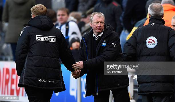 Newcastle manager Steve McClaren shakes hands with Bournemouth manager Eddie Howe after the Barclays Premier League match between Newcastle United at...