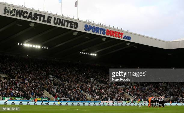 Newcastle player huddle prior to the Premier League match between Newcastle United and Crystal Palace at St James Park on October 21 2017 in...
