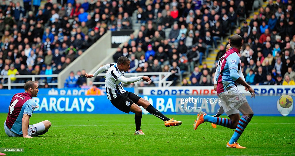 Newcastle player Loic Remy scores the winning goal during the Barclays Premier League match between Newcastle United and Aston Villa at St James' Park on February 23, 2014 in Newcastle upon Tyne, England.
