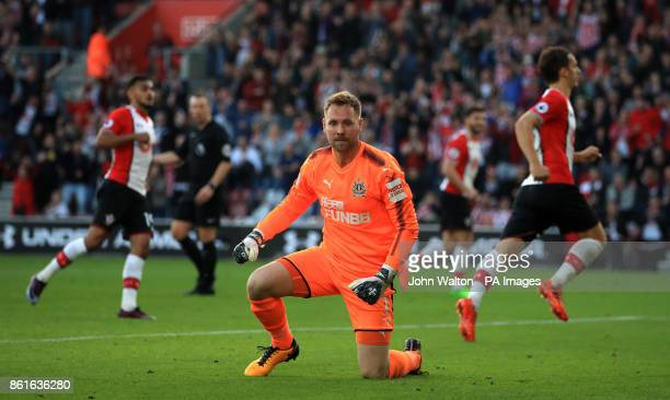 Newcastle United goalkeeper Rob Elliot is dejected after Southampton's Manolo Gabbiadini scored his side's second goal of the game from the penalty...