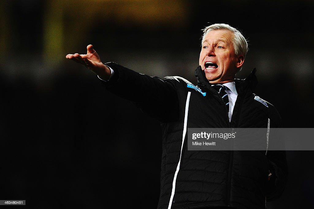 Newcastle United manager <a gi-track='captionPersonalityLinkClicked' href=/galleries/search?phrase=Alan+Pardew&family=editorial&specificpeople=171147 ng-click='$event.stopPropagation()'>Alan Pardew</a> shouts instructions from the touchline during the Barclays Premier League match between West Ham United and Newcastle United at the Boleyn Ground on January 18, 2014 in London, England.