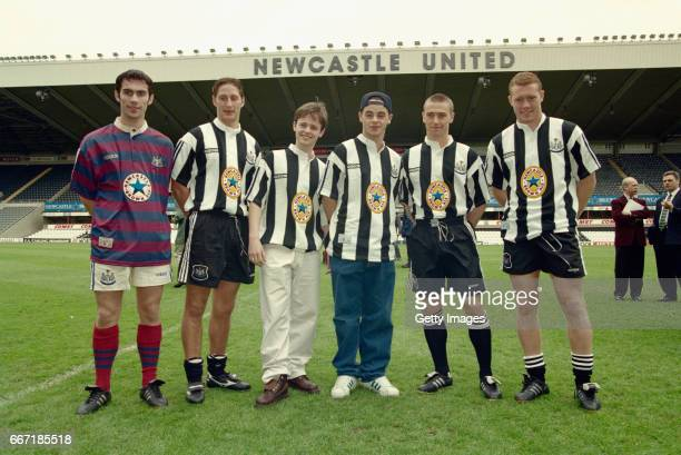 Newcastle United players Keith Gillespie Robbie Elliott Lee Clark and Steve Wwatson are joined by entertainers Ant and Dec at the launch at St James'...