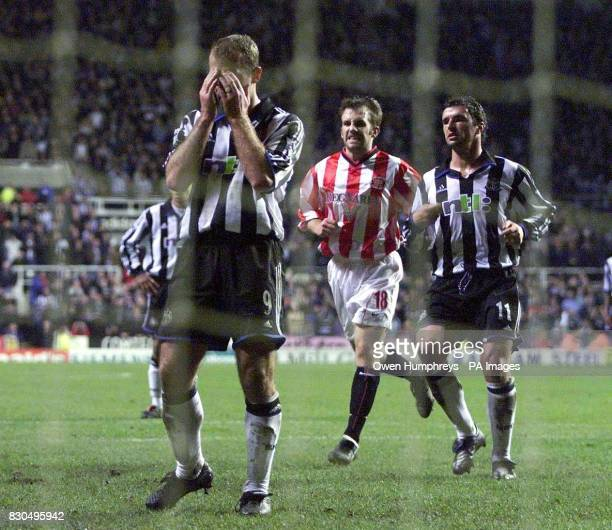 LEAGUE Newcastle United's Alan Shearer puts his hands on head after his penatly kick was saved by Sunderland goalkeeper Thomas Sorensen during the FA...