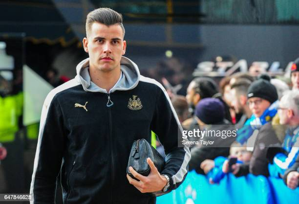 Newcastle United's Goalkeeper Karl Darlow arrives prior to kick off of the Sky Bet Championship Match between Huddersfield Town and Newcastle United...