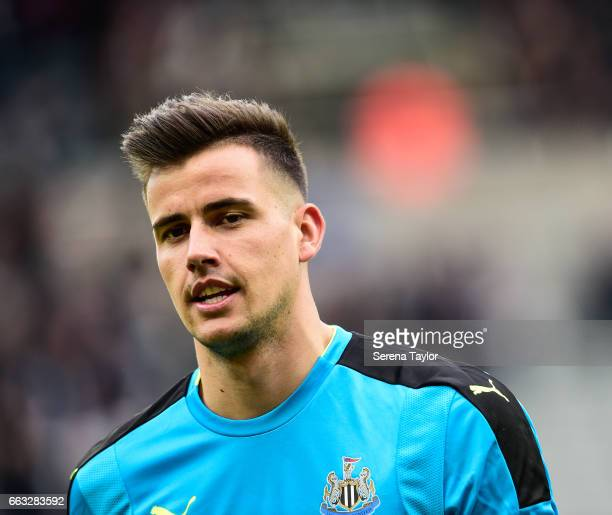 Newcastle United's Goalkeeper Karl Darlow during the Sky Bet Championship match between Newcastle United and Wigan Athletic at StJames' Park on April...