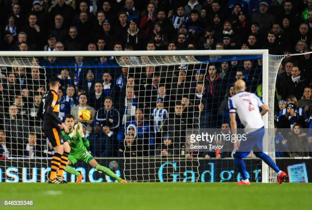 Newcastle United's Goalkeeper Karl Darlow saves a strike from Bruno Saltor of Brighton and Hove Albion during the Sky Bet Championship Match between...