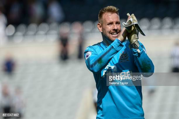Newcastle United's Goalkeeper Rob Elliot claps the fans as he walks off the pitch during the Premier League Match between Newcastle United and...