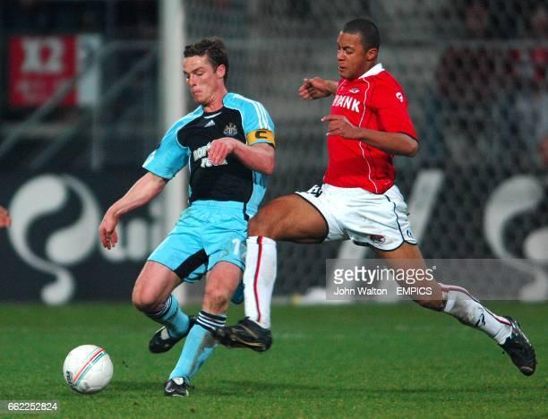 Newcastle United's Scott Parker and AZ Alkmaar's Moussa Dembele battle for the ball
