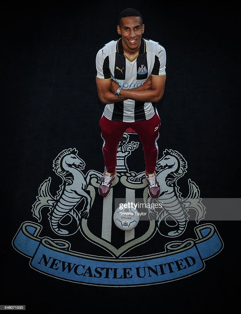 Newcastle United Unveil New Signing Isaac Hayden