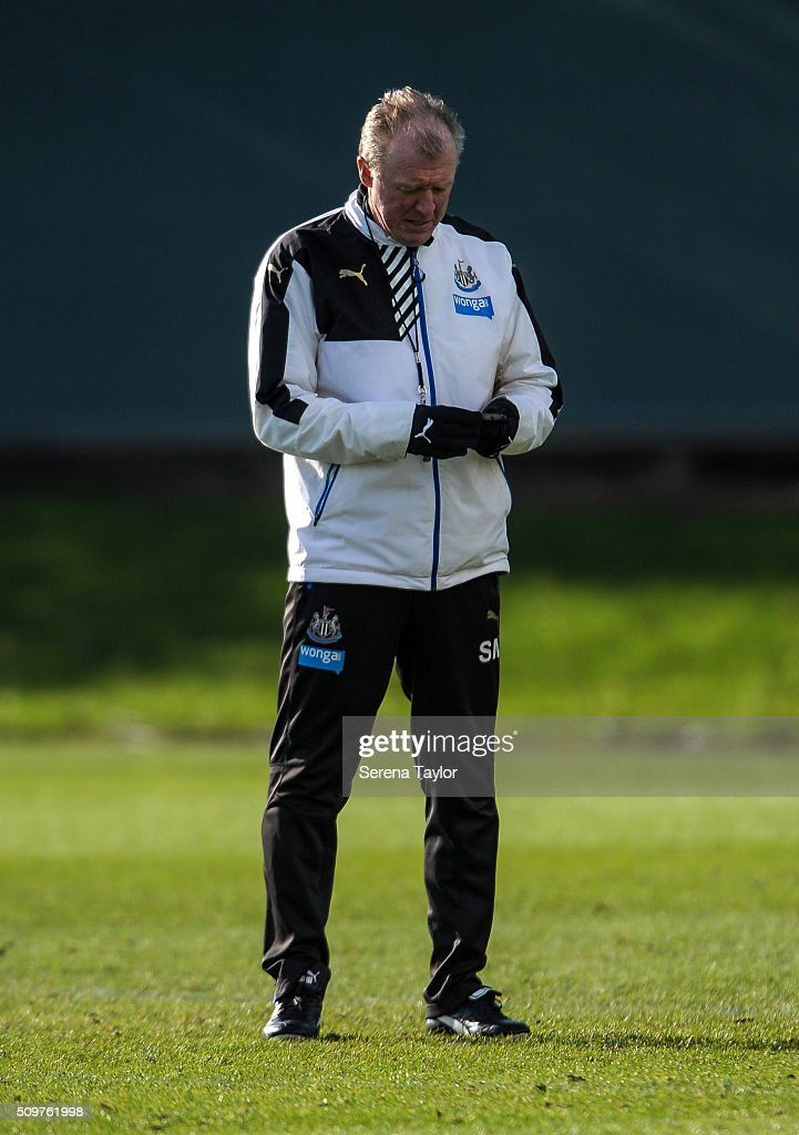 Newcastle's Head Coach <a gi-track='captionPersonalityLinkClicked' href=/galleries/search?phrase=Steve+McClaren+-+Soccer+Manager&family=editorial&specificpeople=210864 ng-click='$event.stopPropagation()'>Steve McClaren</a> looks down during the Newcastle United Training session at The Newcastle United Training Centre on February 12, 2016, in Newcastle upon Tyne, England.