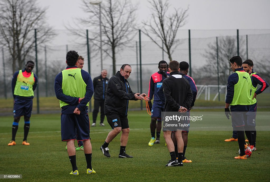 Newcastle's New Manager Rafael Benitez (C) gives instructions to his new players during the Newcastle United Training session at The Newcastle United Training Centre on March 11, 2016, in Newcastle upon Tyne, England.