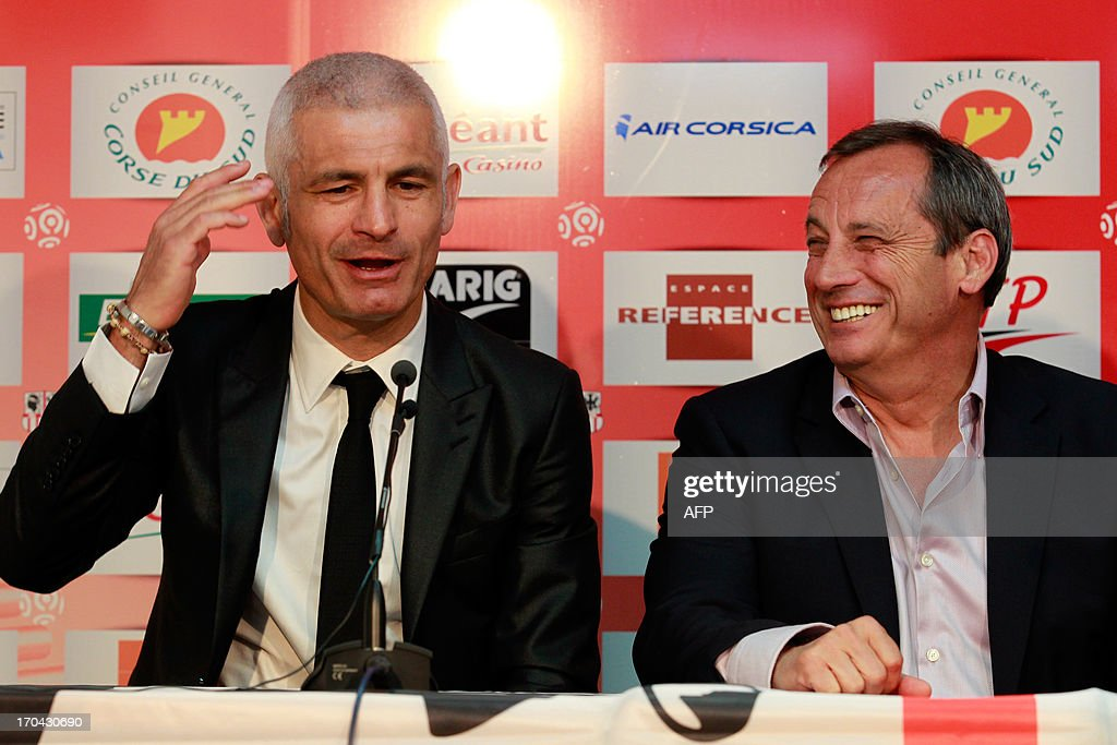 Newly appointed Ajaccio football club head coach, Italy's Fabrizio Ravanelli (L) and Ajaccio's president Alain Orsoni give a press conference on June 13, 2013 in Ajaccio, during Ravanelli's official presentation. AFP PHOTO / PASCAL POCHARD-CASABIANCA