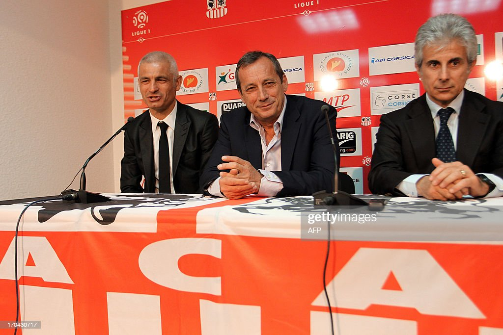 Newly appointed Ajaccio football club head coach, Italy's Fabrizio Ravanelli (L) Ajaccio's president Alain Orsoni (C) and assistant coach Giampiero Ventrone give a press conference on June 13, 2013 in Ajaccio, during Ravanelli's official presentation.