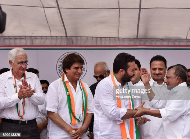 Newly elected NSUI President Firoz Khan with senior leaders AK Antony Raj Babbar Salman Khurshid and other at NSUI office on June 22 2017 in New...