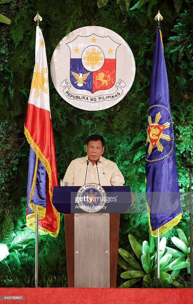 Newly elected President Rodrigo Rodrigo Duterte takes his oath of office as the 16th President of the Republic of the Philippines in Manila, Philippines on June 30, 2016. Supreme Court Justice Bienvenido L. Reyes administered his oath.