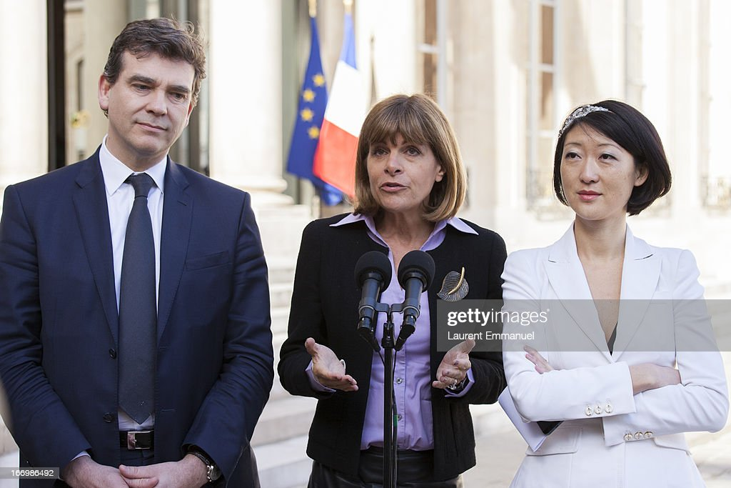 Newly-appointed head of the 'Innovation 2030' commission for technology and industry, Anne Lauvergeon (C) addresses reporters beside Junior Minister for Innovations and Digital Economy Fleur Pellerin (R), and French Minister for Industrial Renewal and Food Industry Arnaud Montebourg, following their meeting with French President Francois Hollande, for the 'Innovation 2030' Commission For Technology And Industry at Elysee Palace on April 19, 2013 in Paris, France.