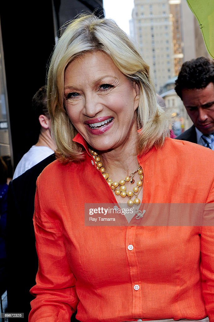 News anchor Diane Sawyer hosts the 'Good Morning America' taping at the ABC Times Square Studios on August 18, 2009 in New York City.