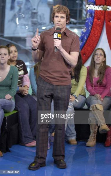 MTV News Anchor John Norris during NeYo Visits MTV's 'TRL' January 23 2006 at TRL Studios in New York City New York United States