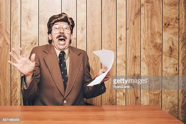 Giornalista televisivo uomo sorpreso