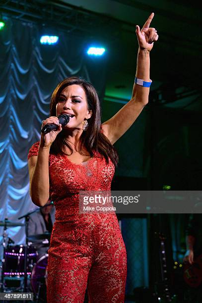 News anchor Robin Meade performs at the 2014 Unbridled Eve Derby Gala during the 140th Kentucky Derby at Galt House Hotel Suites on May 2 2014 in...