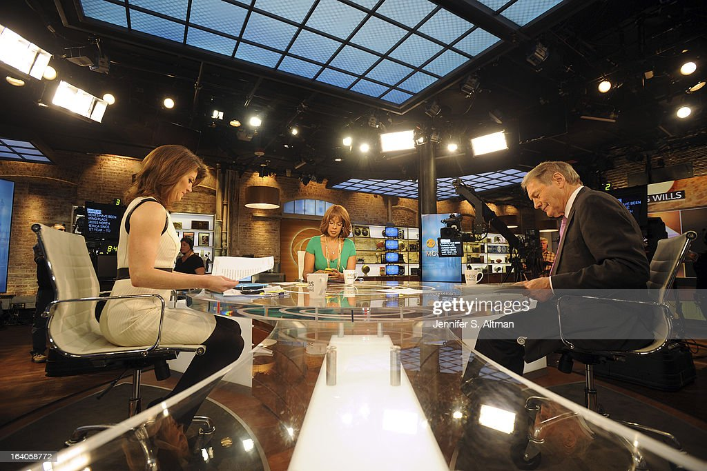 News anchors <a gi-track='captionPersonalityLinkClicked' href=/galleries/search?phrase=Charlie+Rose&family=editorial&specificpeople=535420 ng-click='$event.stopPropagation()'>Charlie Rose</a>, <a gi-track='captionPersonalityLinkClicked' href=/galleries/search?phrase=Gayle+King&family=editorial&specificpeople=215469 ng-click='$event.stopPropagation()'>Gayle King</a> and Norah O'Donnell are photographed for Los Angeles Times on January 29, 2013 in New York City. PUBLISHED