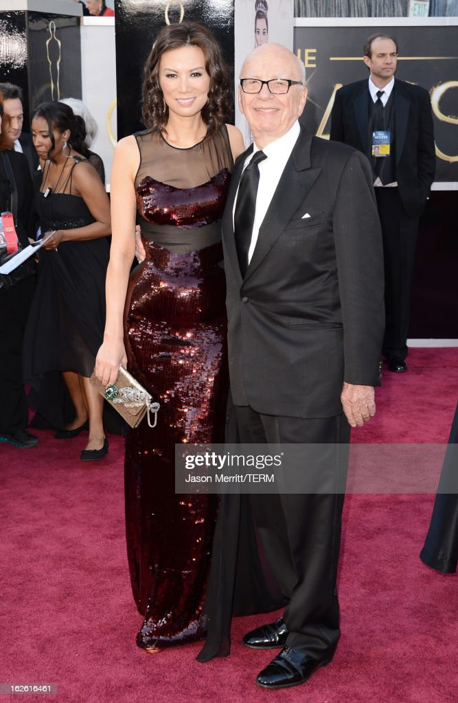 News Corporation Chairman and CEO Rupert Murdoch (R) and wife Wendi Murdoch arrive at the Oscars at Hollywood & Highland Center on February 24, 2013 in Hollywood, California.