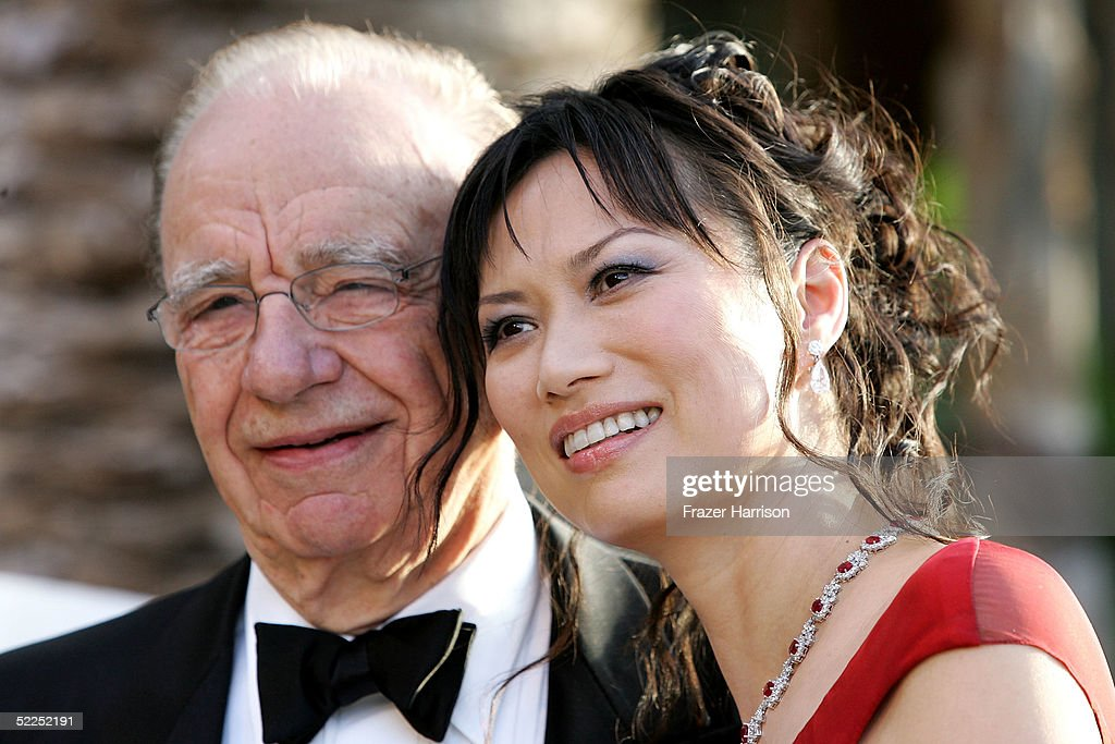 NewsCorp CEO <a gi-track='captionPersonalityLinkClicked' href=/galleries/search?phrase=Rupert+Murdoch&family=editorial&specificpeople=160571 ng-click='$event.stopPropagation()'>Rupert Murdoch</a> and wife Wendy Deng arrive at the Vanity Fair Oscar Party at Mortons on February 27, 2005 in West Hollywood, California.