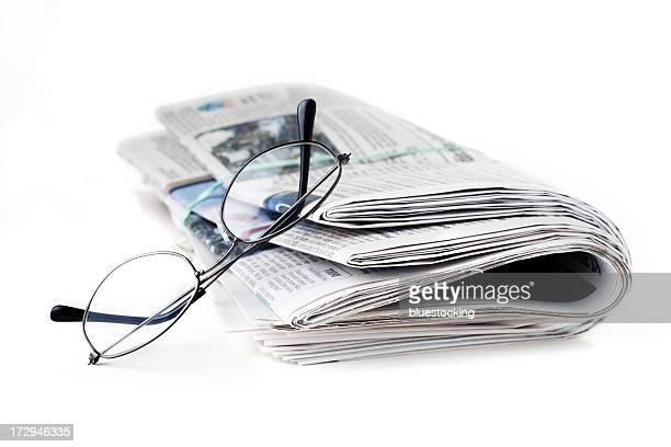 Journal et des lunettes de lecture