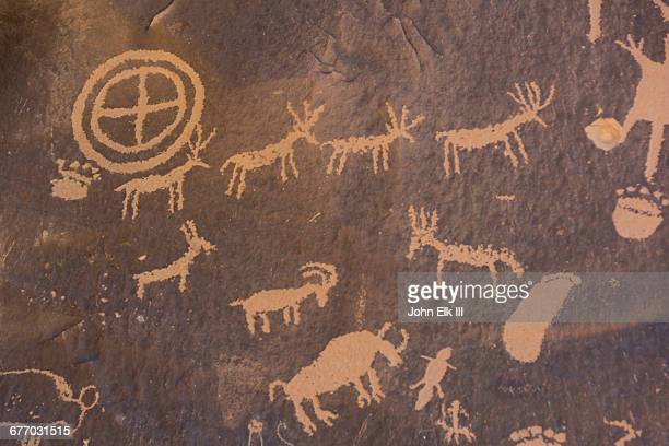 Newspaper Rock, petroglyphs
