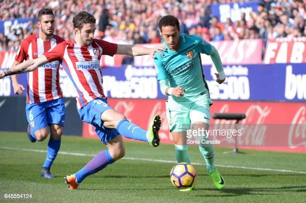 Neymar #11 of FC Barcelona and Vrsaljko #16 of Atletico de Madrid during The La Liga match between Club Atletico de Madrid v FC Barcelona La Liga at...
