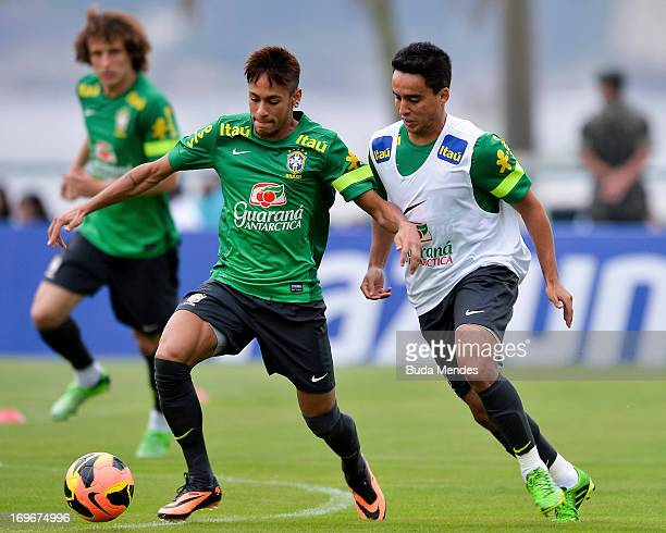 Neymar and Jadson in action during a training session of the Brazilian National Football Team in School of Physical Education of the Army on May 30...
