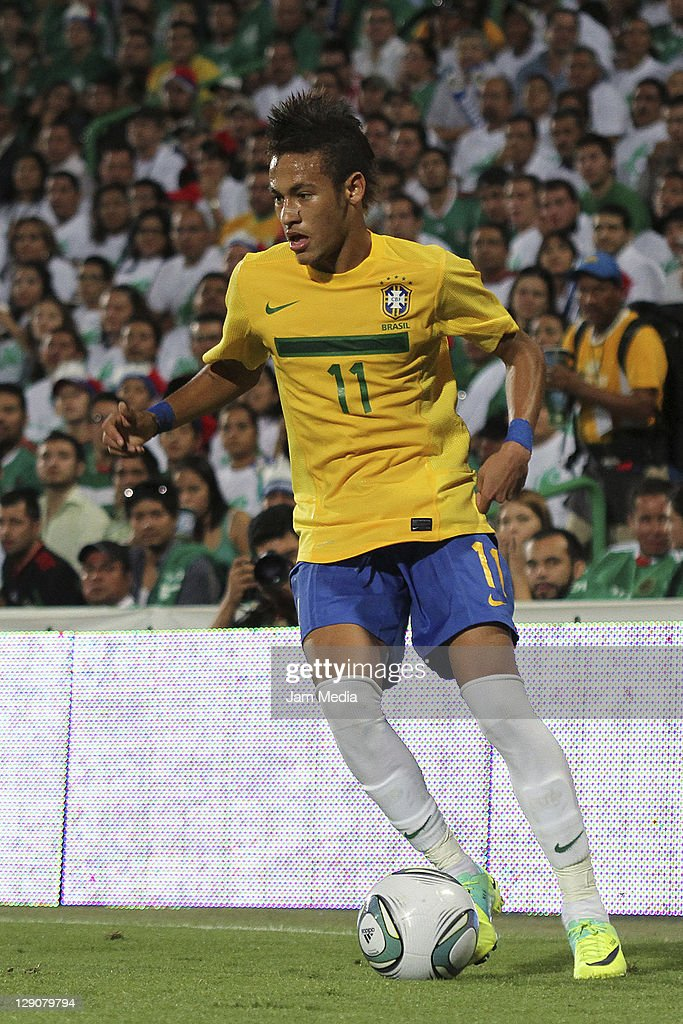 <a gi-track='captionPersonalityLinkClicked' href=/galleries/search?phrase=Neymar+da+Silva&family=editorial&specificpeople=5766731 ng-click='$event.stopPropagation()'>Neymar da Silva</a> of Brasil in action during a match against Mexico as part a friendly match between Mexico National Team and Brasil National Team at the Corona stadium on October 11, 2011 in Torreon, Mexico.
