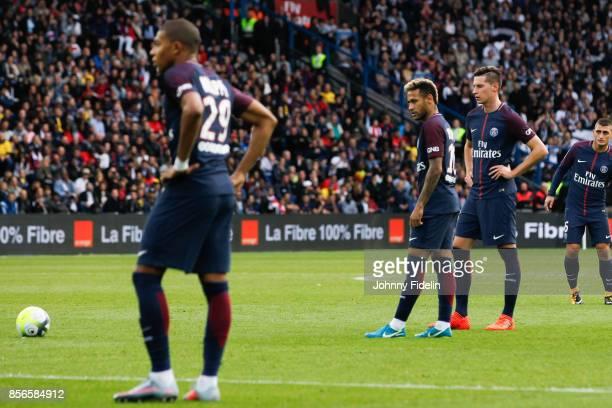 Neymar Jr and Julian Draxler of Paris Saint Germain during the Ligue 1 match between Paris Saint Germain and FC Girondins de Bordeaux at Parc des...