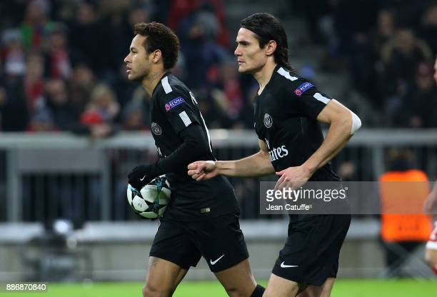 Neymar Jr Edinson Cavani of PSG celebrate the goal of Kylian Mbappe during the UEFA Champions League group B match between Bayern Muenchen and Paris...
