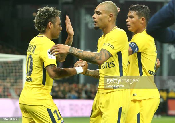 Neymar Jr Layvin Kursawa Thiago Silva of PSG celebrate Edinson Cavani's goal during the French Ligue 1 match between En Avant Guingamp and Paris...