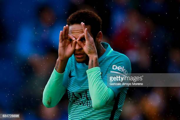 Neymar JR of FC Barcelona celebrates scoring their second goal during the La Liga match between Deportivo Alaves and FC Barcelona at Estadio de...