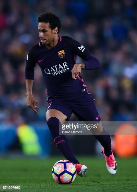Neymar Jr of FC Barcelona runs with the ball during the La Liga match between RCD Espanyol and FC Barcelona at the RCDE Stadium on April 29 2017 in...