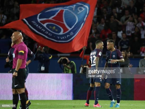 Neymar Jr of Paris SaintGermain celebrate his goal with Dani Alves during the French Ligue 1 match between Paris Saint Germain and Toulouse FC at...