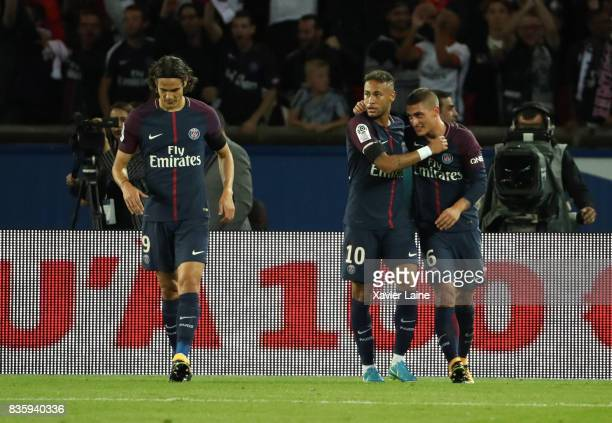 Neymar Jr of Paris SaintGermain celebrate his goal with teammattes during the French Ligue 1 match between Paris Saint Germain and Toulouse FC at...