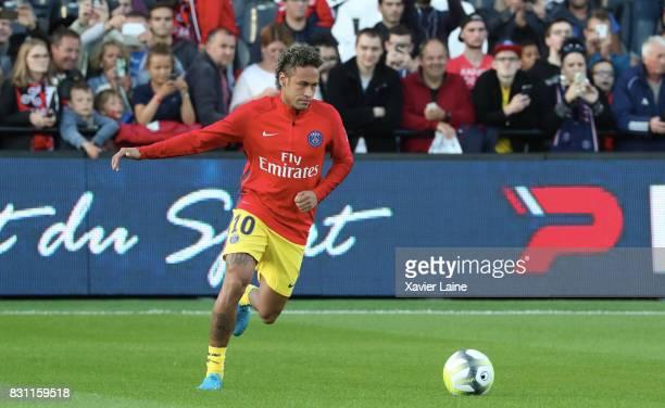 Neymar Jr of Paris SaintGermain in action during the French Ligue 1 match between EA Guingamp and Paris Saint Germain at Stade du Roudourou on August...