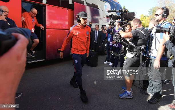 Neymar Jr of Paris SaintGermain reacts during the Ligue 1 match between Dijon FCO and Paris Saint Germain at Stade GastonGerard on October 14 2017 in...