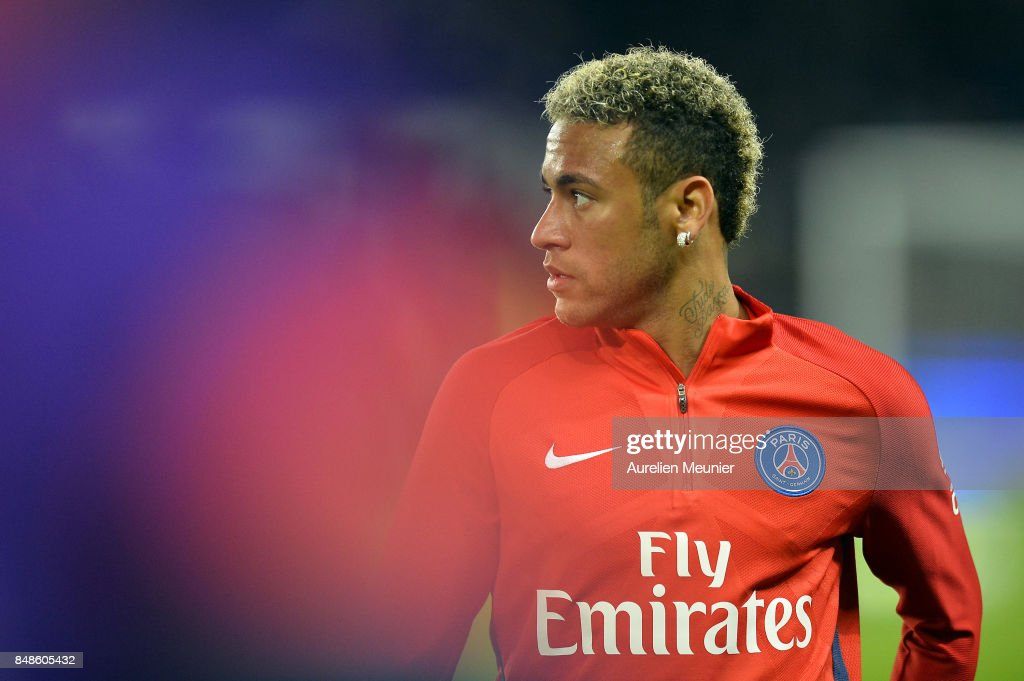 Neymar Jr of Paris Saint-Germain reacts during warmup before the Ligue 1 match between Paris Saint Germain and Olympique Lyonnais at Parc des Princes on September 17, 2017 in Paris, .